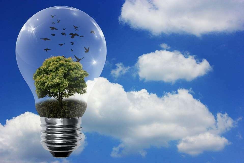 La fotovoltaica no emite CO2: Permite generar energía sin contaminar el aire y contribuye a frenar el cambio climático