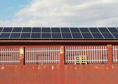 Instalación de autoconsumo de energía solar fotovoltaica en nave industrial en Linares (Jaén)